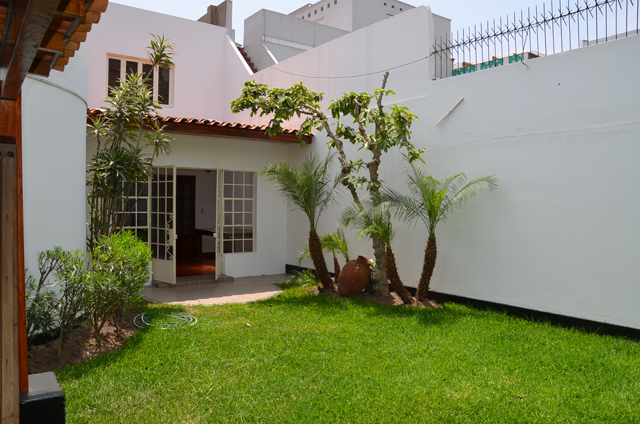 Casa para oficina san isidro calle prescott con for Muebles de oficina en san isidro
