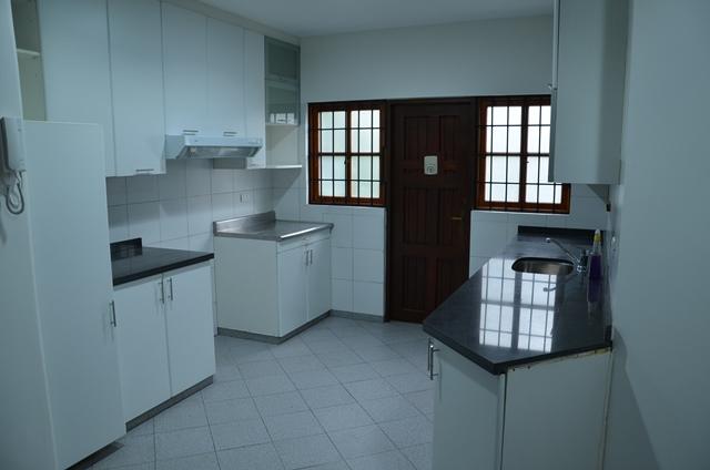 Alquiler casa para oficina en san isidro de 213 m2 con for Muebles de oficina en san isidro