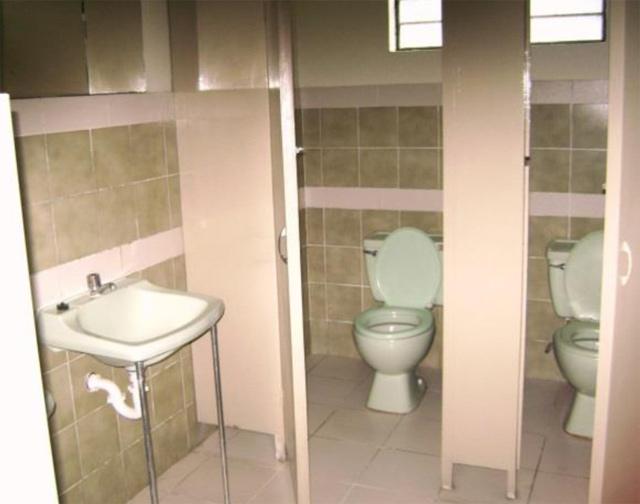 2 casa para oficina jesus maria en alquiler for Banos modernos para oficinas