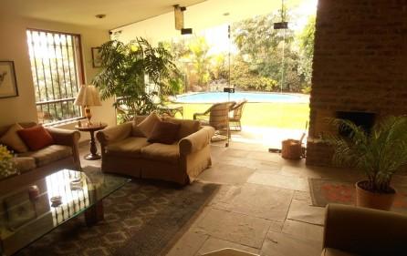 Casa con piscina la Planicie