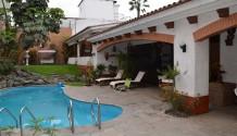 Venta Casa en Aurora Miraflores con piscina
