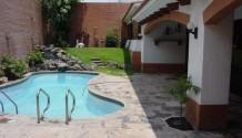 Hermosa casa con piscina en Aurora Miraflores
