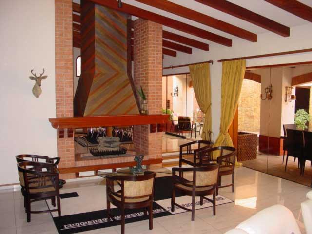 casa en Aurora Miraflores con piscina y 4 dormitorios