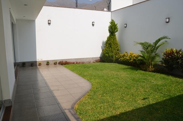 Casa en sol de la molina etappa ii for Casa moderna 150 m2