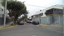 Casa para oficina en Miraflores a puerta cerrada